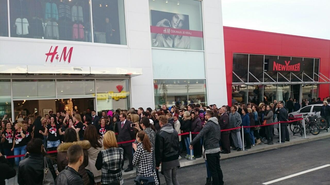 opening H&M at Aviv Park Zrenjanin (1)